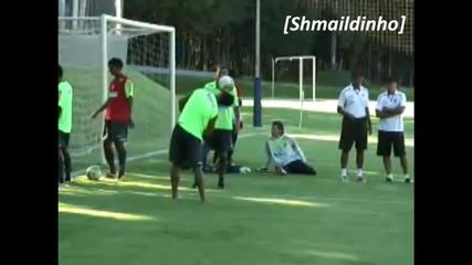 Роналдиньо се забавлява в Фламенго 2011///