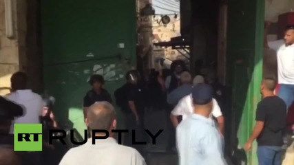 State of Palestine: Clashes erupt as Israeli security forces raid Al-Aqsa Mosque for third day