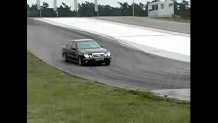 Mercedes E63 Amg drift