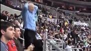 Дядка разбива цяла публика с лудия си танц