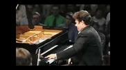 Сергей Рахманинов – Концерт №2 за пиано (солист Аркадий Володос и холандси краслки оркестър, с дириг