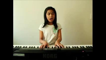 Момичето което изуми всички с изпълнението си на песента [lady Gaga - Born This Way ]