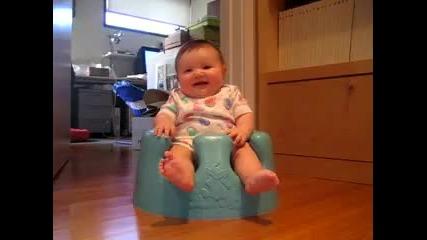 Смеещ се бебок