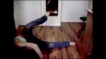 Секси Мацка Танцува