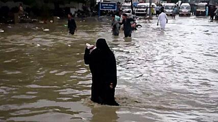 Pakistan: At least 10 dead after monsoon floods hit Karachi