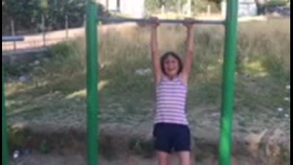 street workout 9 years old girl
