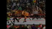 Трите Хикса,Леденият Стив Остин,Острието и Крисчън срещу Гробаря,Кейн,Джеф Харди и Мат Харди