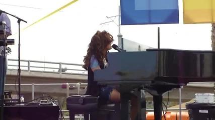 Demi Lovato - La La Land на живо