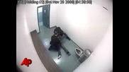 Полицай бребиват момиче