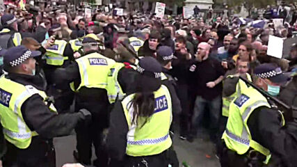UK: Bloodied heads and arrests at anti-lockdown rally in London as scuffles erupt