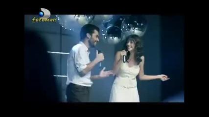 Акторите и актрисите от Мечтатели, Листопад и други турски сериали пеят мн яака песен - Hd