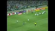 Роналдиньо си поплака след куриозен гол
