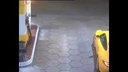 Кражба на porsche от бензиностанция