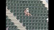 (+18): Секс на стадиона по време на мач и на метри от дете