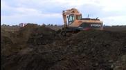 Трактор скъса петролопровод край Нова Загора