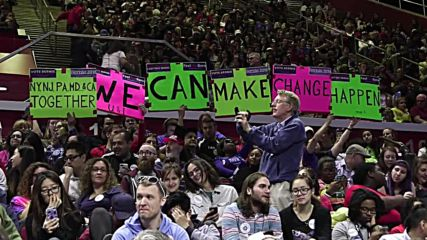 USA: Bernie Sanders draws thousands to rally in New Jersey