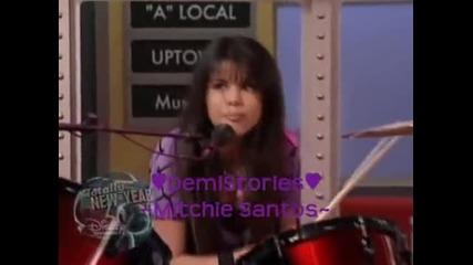 Selena Gomez свири на барабани (отказ от Waverly Place)