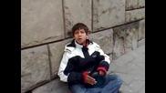 Талант на улицата - Сръбско Циганче пее много яко