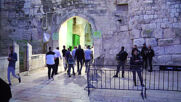 East Jerusalem: Muslims head to Al-Aqsa for Eid al-Fitr prayers