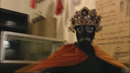 Уникалeн фокусник с 10 лица/маски
