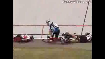 Луда Катастрофа С Велосипеди