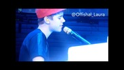 Amazing! Justin Bieber Изпълнява Down To Earth ( Paris )