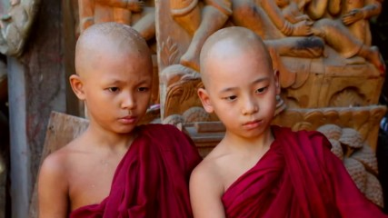 """Сангха или духовната общност в Мианмар (""""Без багаж"""" еп.174 трейлър)."""