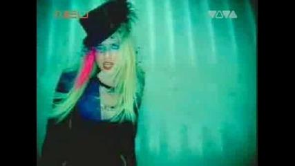 Avril Lavigne ~ Hoт