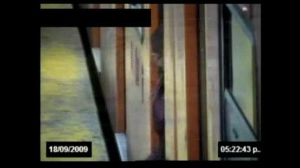 (18+) Психопат убива двама и ранява шестима в Мексиканско метро
