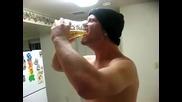 Изпиване на 3 бири за 5 сек
