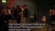 Justin Bieber флиртува с фенка