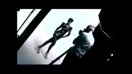 Rihanna behind a scene of Elle Magazine