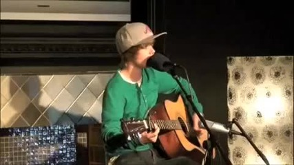 Justin Bieber singing One Less Lonely Girl [acoustic]