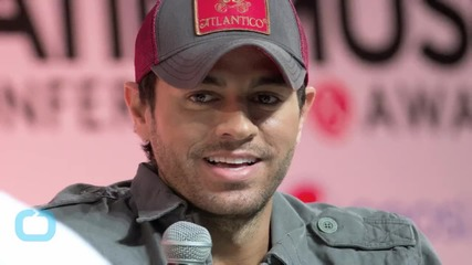 Enrique Iglesias Recovering After Fingers Sliced at Concert