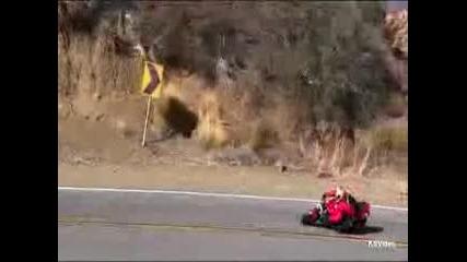 Mulholland Hwy California Yamaha R1