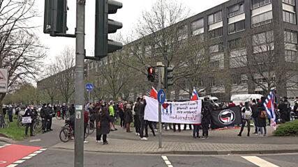 Germany: 'Querdenken' Frankfurt media protest met by police, counter-demo