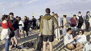Spain: Beachgoers party in Barcelona despite COVID-19 restrictions