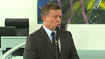 Germany: King Abdullah II of Jordan hails Merkel for her 'leadership' in the refugee crisis