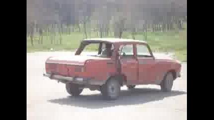 Изтърбушен Москвич 2104Д