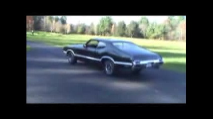 1972 Oldsmobile 442 W - 30 Burnout