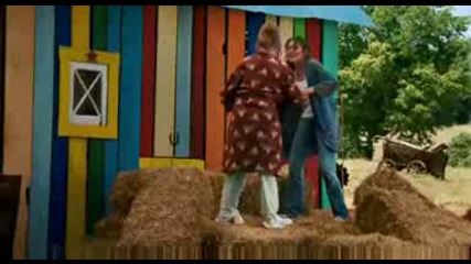 Hannah Montana The Movie - Official Trailer (watch in Hq )