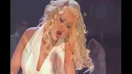 Кристина Агилера - концерт - Зашеметяващо красива и разтърсва всичко с си глас.
