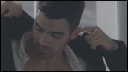 ** Joe Jonas - Just In Love **