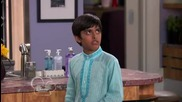 Jessie, Season 1 Episode 16 - Glue Dunnit A Sticky Situation
