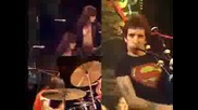 Превод Acdc - Its a long way to the top - Live 1976