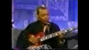 Meshell Ndegeocello - Gibson Les Paul Bass