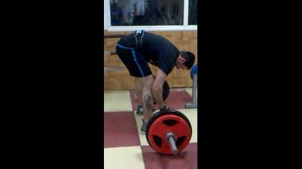 Лека тренировка за гръб с 140 кг :)