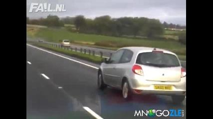 Луд се движи в насрещното на магистрала