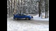 Subaru Impreza snow drift (subaru lovers)