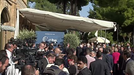 Italy: Leaders gather for group photo at international conference on Libya